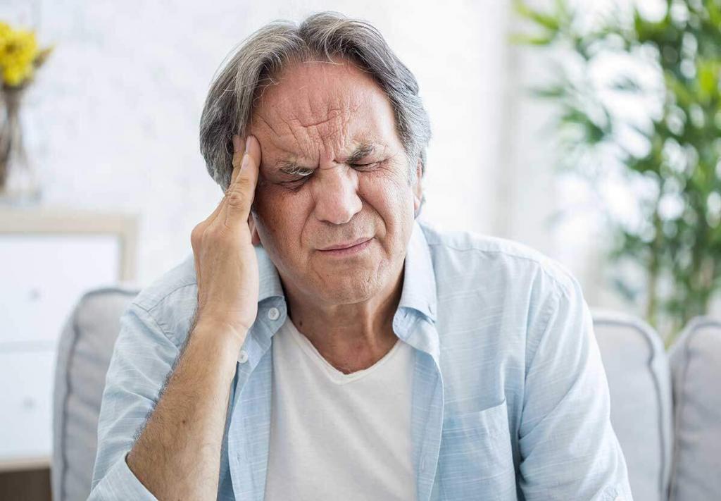 possibili cause delle fitte alla testa.